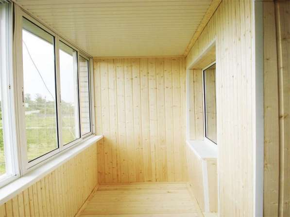 Отделка 6 м балкона деревянной вагонкой