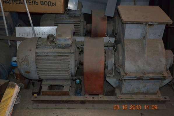Продам Дробилка дк-3М дв.22квт с хранения