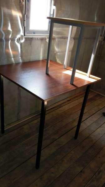 Табуретки и столы