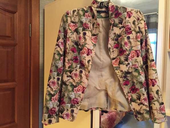 Продаю пиджак фирмы Befree. Размер: M. Цена 1500 р