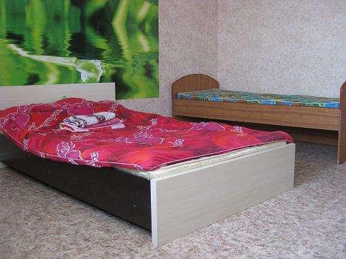 Сдаётся благоустроенная комната в 3 комн. квартире на длительный срок