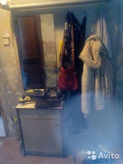 Прихожая-секция с зеркалом и крючками, шкафчиком