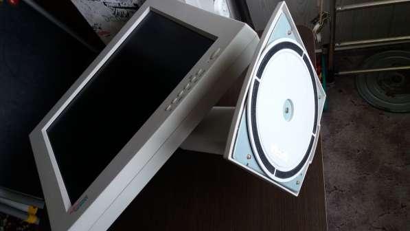 Продаётся монитор 19'' Fujitsu Siemens LСD в фото 4