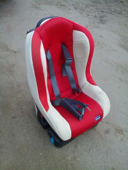 Детское автомобильное кресло Chicco