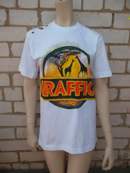 Продаю футболки с ручной росписью