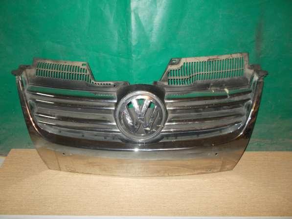 Volkswagen Passat B6 Решетка радиатора б/у Оригинал
