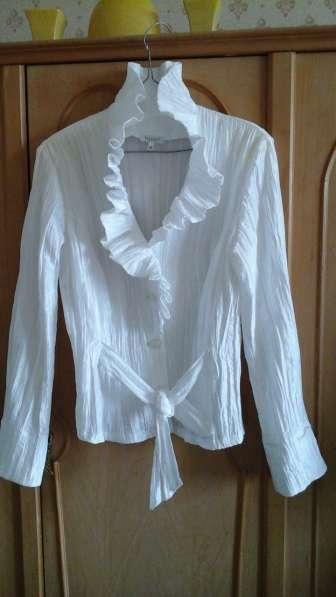 Блузка нарядная новая