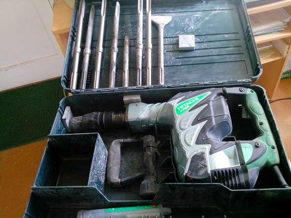 Продам электрический отбойный молоток Hitachi H60MR