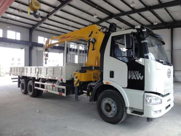 Бортовой грузовик FAW ca5250 с КМУ XCMG sq10sk3q 10т