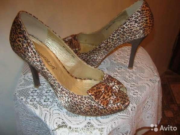 продам красивые сапоги и туфли
