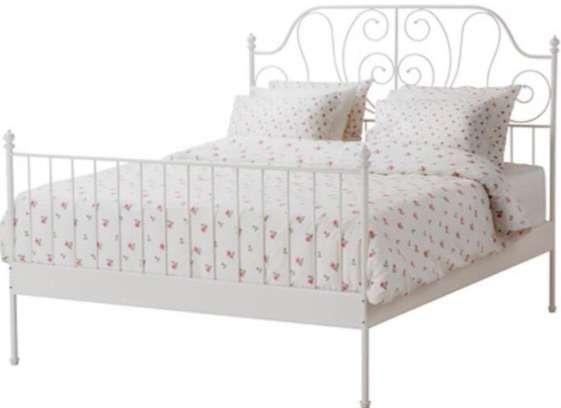 Кованая кровать с матрасом и ортопедическим основанием
