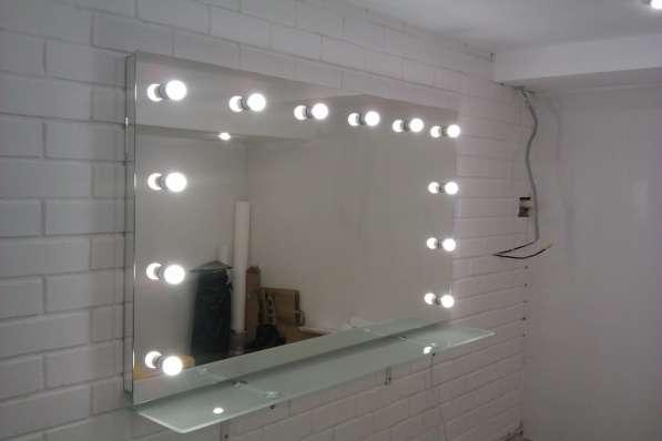Гримерное зеркало, зеркало для нанесения макияжа