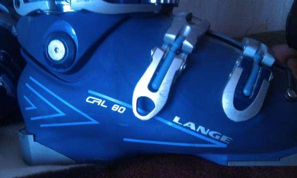 Горнолыжный комплект (лыжи, палки лыжные, ботинки, шлем)