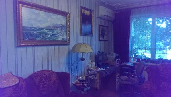 В Кропоткине по ул.Гоголя 3-комнатная квартира 65 кв.м. 1\9
