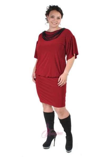 Молодежное платье из трикотажа ультрамодного дизайна М-19
