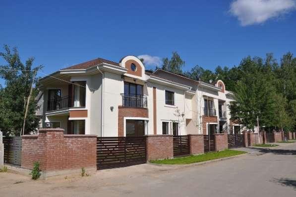 Таунхаус 271 м² + мансарда 100 кв. м. на участке 3 сот