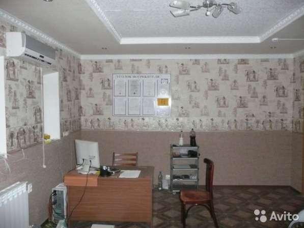 Домовладение с готовым автобизнесом в г.Кропоткине по ул.Баумана