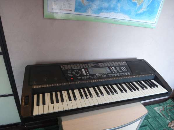 Продам синтезатор б/у Elenberg MS6160