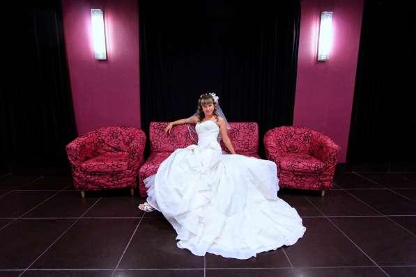 свадебное платье со шлейфом!