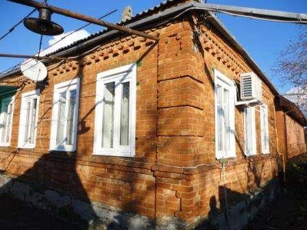 В Кропоткине по ул.Целинной дом 65 кв.м. из красного кирпича