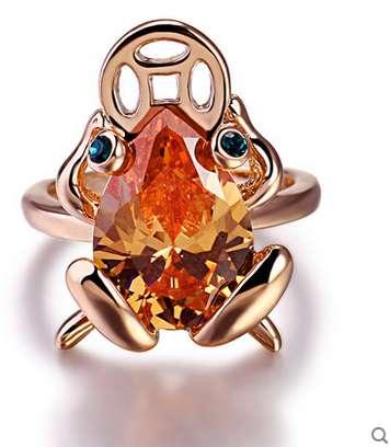Кольцо Лягушка с монеткой во рту-символ богатства
