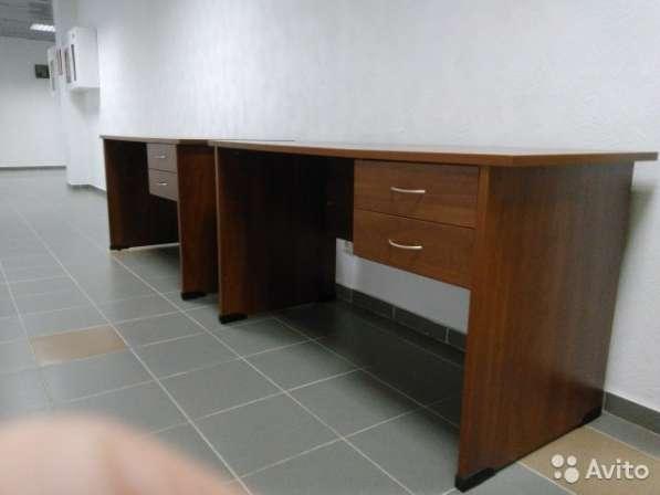 2 стола офисных новые