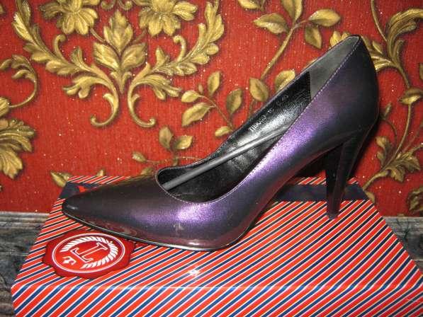 продам новые туфли на шпильке