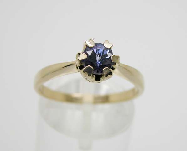 Золотое кольцо с Танзанитом.