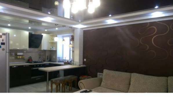 В Кропоткине по ул.Красной 3-комнатная квартира 86 кв.м.
