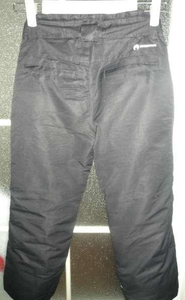 Продаю демисезонные брюки на ребенка