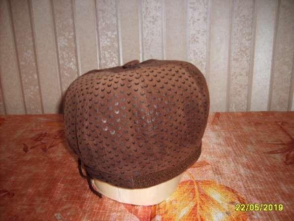 Берет замшевый коричневый