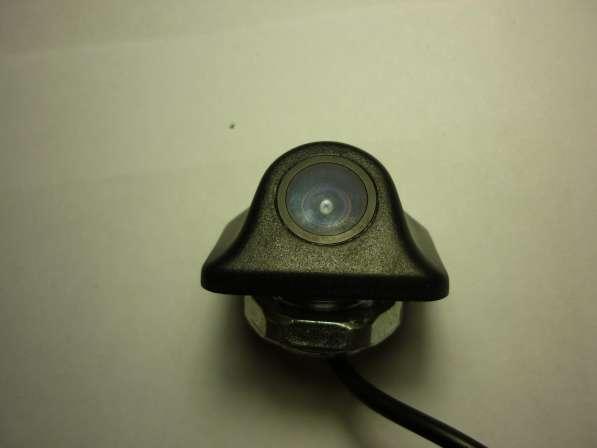 Камера заднего вида под углом в отверстие с гайкой
