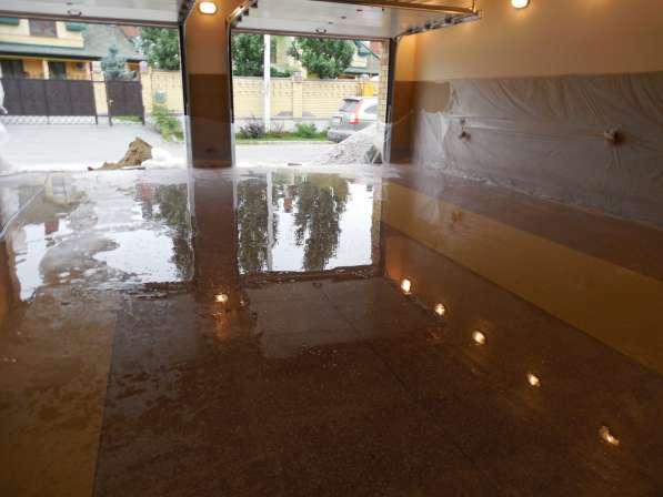 Промышленный бетонно-мозаичный пол, пол из мраморной крошки