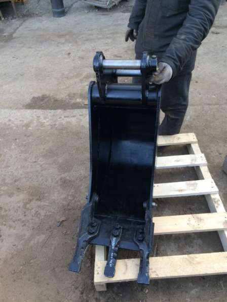 Ковш для Экскаватора погрузчика ширина 300 мм