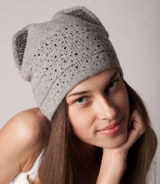 Женская трикотажная шапка модель 397