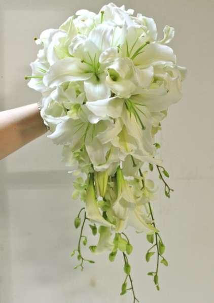букеты невест от 500 руб, бутоньерки для жениха от 200 руб