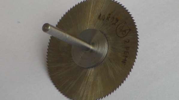 Насадка для бормашины с отрезной фрезой 40 х 0,2 мм.