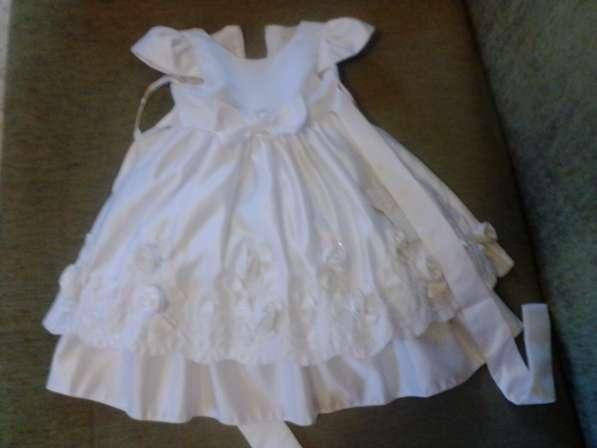 Праздничное платье 3-4 года.