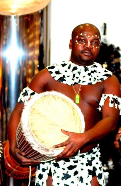 Африканское шоу группа Kилиманджарo