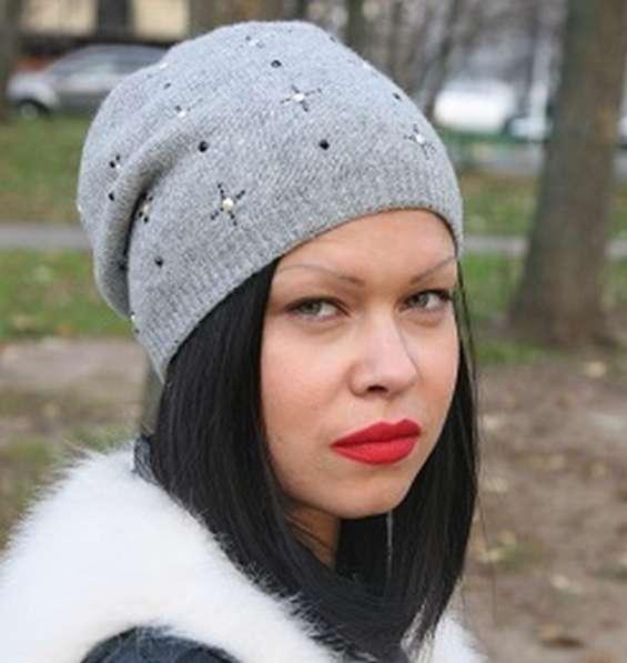 Женская трикотажная шапка двойной вязки