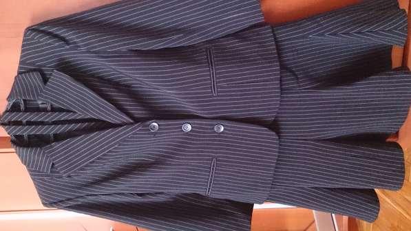 Школьный костюм с юбкой 42р.