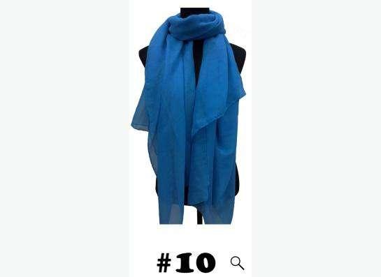 шарф ярко голубой