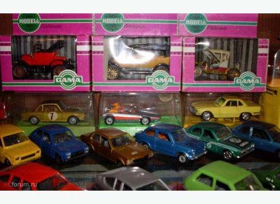 Старые советские и зарубежные автомодели в Москве фото 14