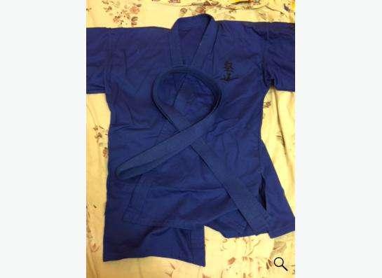 кимоно синее и белое,