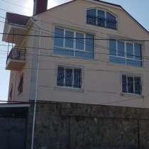 Дом 502 м2, 3-этажа Центр, ул. Чехова № 130, участок 5 со, в г.Симферополь