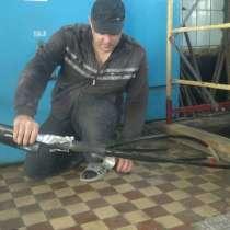 Услуги электрика монтаж электропроводки недорого, в Новосибирске
