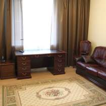 Продам 2-комнатную сталинку с евроремонтом и мебелью, в Санкт-Петербурге