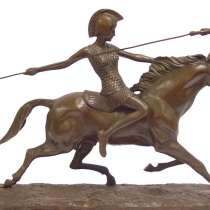 Амазонка на коне-скульптурная композиция, в Краснодаре