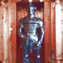 Рыцарь-скульптура из металла, в Сочи