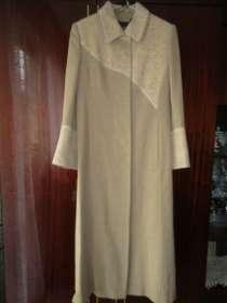 Пальто кожа демисезонное, р. 44, в Хабаровске
